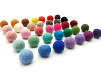 100% Pure Wool Felt Fabric Crafts 2cm Ball Custom Logo For DIY Projects